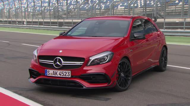 Mercedes AMG A45 4Matic im Test. (Screenshot: News2do)