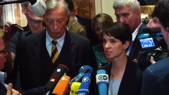 AfD-Chefin Petry: 'Kein Dialog auf Augenhöhe'. (Screenshot: Reuters)