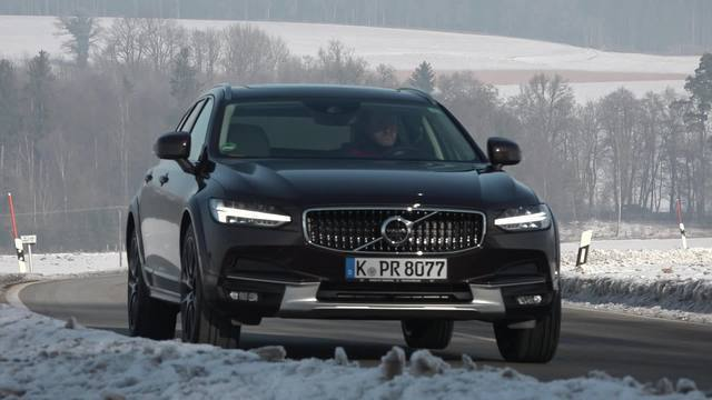 Volvo V90 Cross Country Test & Fahrbericht. (Screenshot: dieautotester)