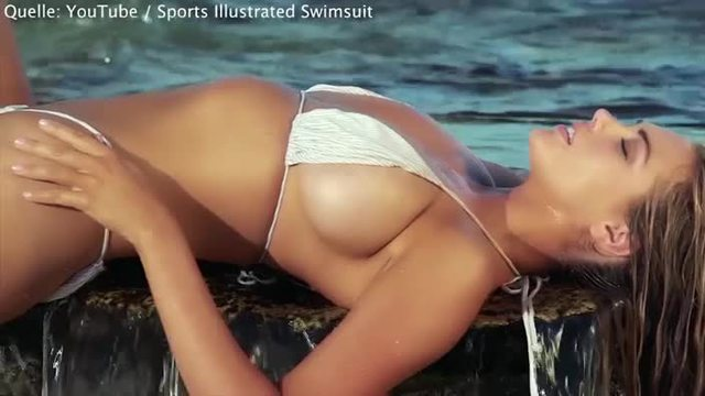 Das amerikanische Unterwäsche-Model Kate Upton zeigt sich am Strand. (Screenshot: YouTube / Sports Illustrated Swimsuit)