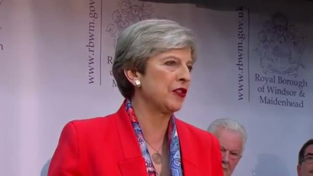 Grosses Wahldesaster für Theresa May